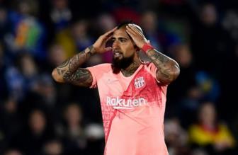 Arturo Vidal bị tịch thu 4 căn hộ ở Torino