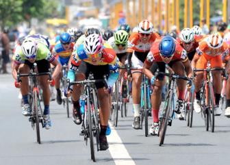 Giải xe đạp Về Nông Thôn: Kịch tính cuộc chiến áo xanh