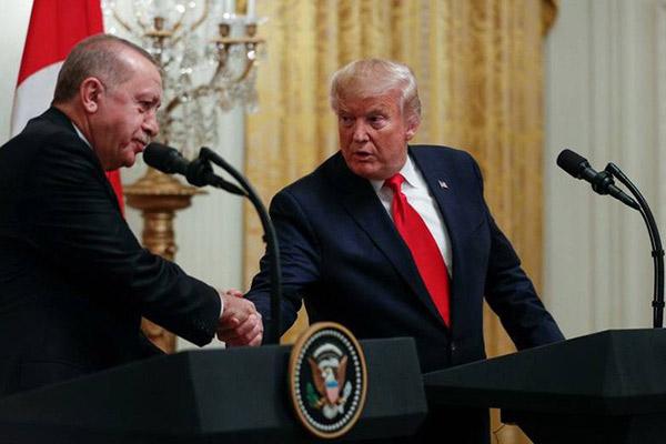 """Ông Trump gặp """"thần tượng"""" Thổ Nhĩ Kỳ quốc hội tức tối"""