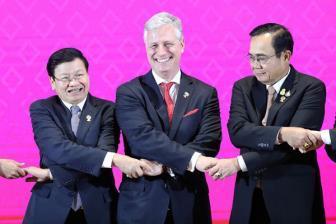 Tổng thống Donald Trump vắng mặt Mỹ trấn an ASEAN
